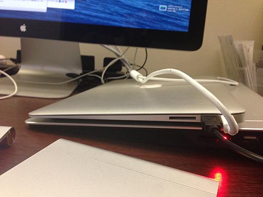 ノートPC用クーラーパッド設置状態 電源ON